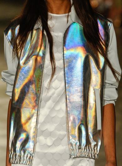 gumus-hologram-1